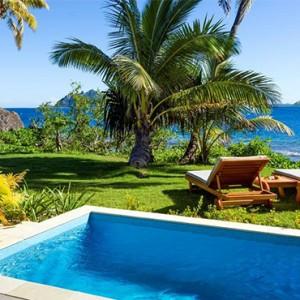 matamanoa-island-resort-fiji-honeymoon-packages-beachfront-villas-pools