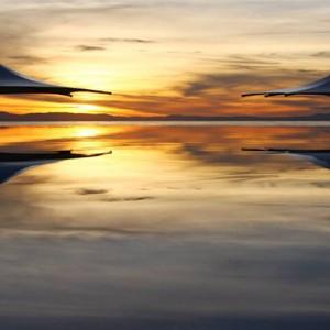 matamanoa-island-resort-fiji-honeymoon-packages-main-pool-sunset