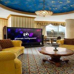 planet-hollywood-las-vegas-honeymoon-packages-ph-bay-suite