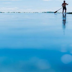 tokoriki-island-resort-fiji-honeymoon-packages-paddling