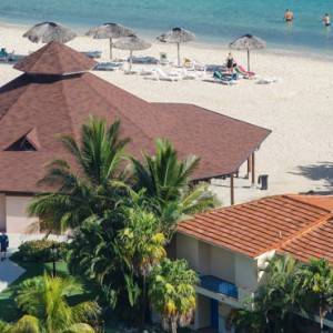 bar-memories-jibacoa-cuba-honeymoon-packages