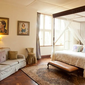 room-1-giraffe-manor-luxury-kenyan-honeymoon-packages