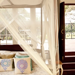 room-3-giraffe-manor-luxury-kenyan-honeymoon-packages