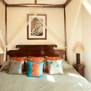 room-6-giraffe-manor-luxury-kenyan-honeymoon-packages