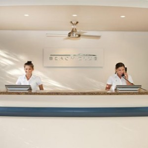 Beach Club Hamilton Islands - Australia Honeymoon Packages - Beach club reception