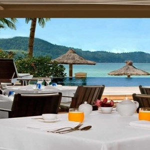 Beach Club Hamilton Islands - Australia Honeymoon Packages - Beach club restaurants