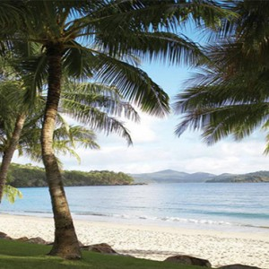 Beach Club Hamilton Islands - Australia Honeymoon Packages - Catseye beach