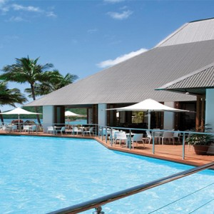 Beach Club Hamilton Islands - Australia Honeymoon Packages - Dolphin pool