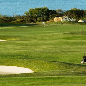 Beach Club Hamilton Islands - Australia Honeymoon Packages - golf