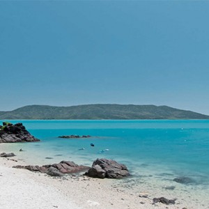 Daydream Island Resort & Spa - Australia Honeymoon Packages - beach