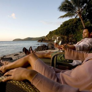 Daydream Island Resort & Spa - Australia Honeymoon Packages - couple gazing view
