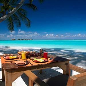 Gili Lankanfushi - Maldives Honeymoon Packages - Main Restaurant