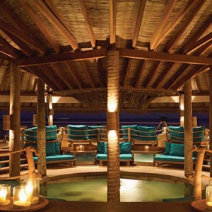Gili Lankanfushi - Maldives Honeymoon Packages - Overwater bar