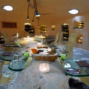 Gili Lankanfushi - Maldives Honeymoon Packages - Underground wine cellar
