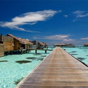 Gili Lankanfushi - Maldives Honeymoon Packages - jetty