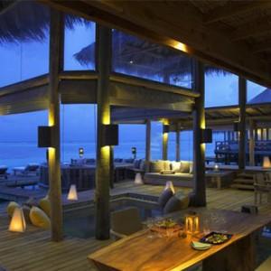 Gili Lankanfushi - Maldives Honeymoon Packages - night lounge
