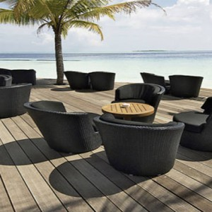 Komandoo Island Resort - Maldives honeymoon packages - Pool deck