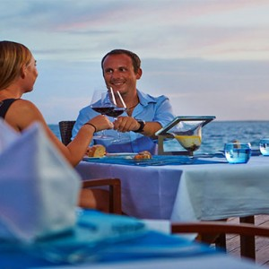 Komandoo Island Resort - Maldives honeymoon packages - aqua beach dining