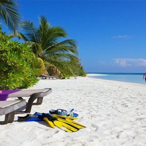 Komandoo Island Resort - Maldives honeymoon packages - beach