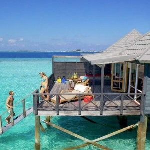 Komandoo Island Resort - Maldives honeymoon packages - jacuzzi water villa exterior