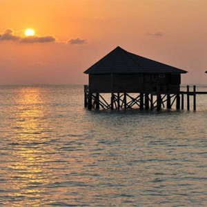 Komandoo Island Resort - Maldives honeymoon packages - sunrise water villa