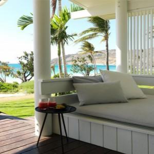 lizard-island-resort-australia-honeymoon-packages-beachfront-suites-daybed