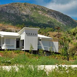 lizard-island-resort-australia-honeymoon-packages-beachfront-suites-exterior