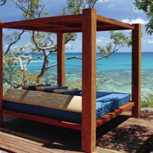 lizard-island-resort-australia-honeymoon-packages-daybed