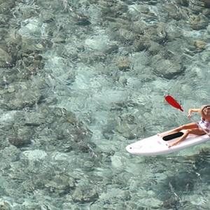 lizard-island-resort-australia-honeymoon-packages-kayaking