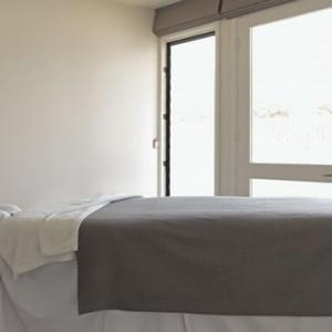 lizard-island-resort-australia-honeymoon-packages-spa-treatment-room