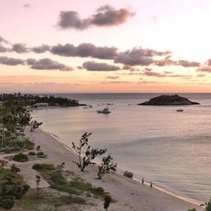 lizard-island-resort-australia-honeymoon-packages-sunset-beach