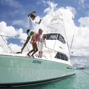 lizard-island-resort-australia-honeymoon-packages-yacht