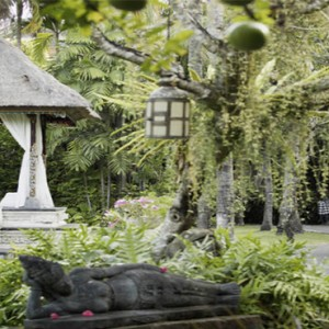 Puri Santrian - Bali Honeymoon Packages - garden