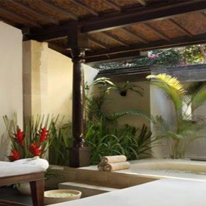 Puri Santrian - Bali Honeymoon Packages - spa treatment room