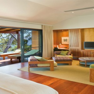 qualia-hamilton-island-australia-honeymoon-packages-leeward-pavillion-room