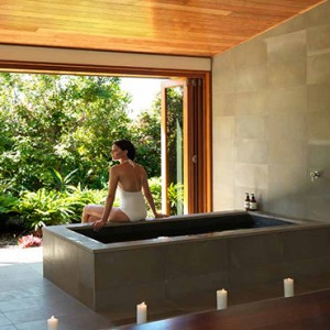 qualia-hamilton-island-australia-honeymoon-packages-spa