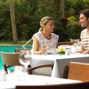 reef-view-hotel-australia-honeymoon-packages-pool-terrace-restaurant1