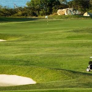 reef-view-hotel-australia-honeymoon-packages-golf