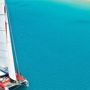 reef-view-hotel-australia-honeymoon-packages-on-the-edge-sailing