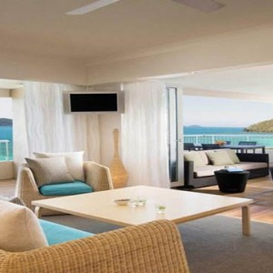 reef-view-hotel-australia-honeymoon-packages-one-bedroom-terrace-suite-living-area