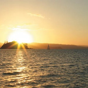 reef-view-hotel-australia-honeymoon-packages-sunset-cruise