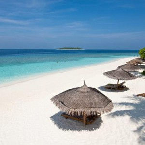 Reethi Beach Resort - Maldives Honeymoon Packages - Beach