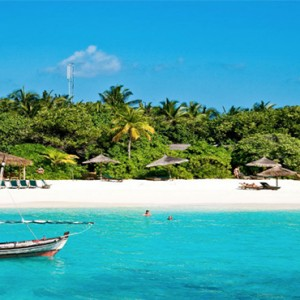 Reethi Beach Resort - Maldives Honeymoon Packages - Beach bar