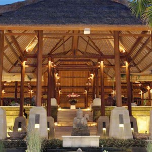 The Ubud Village Resort & Spa - Bali Honeymoon Packages - entrance