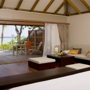 Veligandu Island Resort & Spa - Maldives Honeymoon Packages - Jacuzzi beach villa