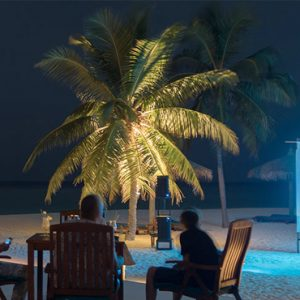 Veligandu Island Resort & Spa Maldives Honeymoon Packages Thundi Bar