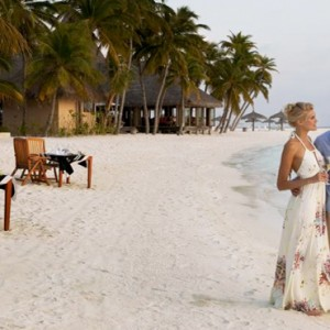 Veligandu Island Resort & Spa - Maldives Honeymoon Packages - beach dining