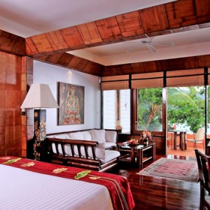 Beach wing Suite 2 - mom tris villa roayle phuket - luxury phuket honeymoons