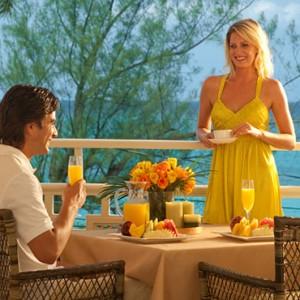 Carlyle Oceanview Grande Luxe - Sandals Inn montego Bay - Luxury Caribbean Honeymoons