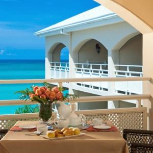 Carlyle Oceanview Penthouse Petite Suite 2 - Sandals Inn montego Bay - Luxury Caribbean Honeymoons